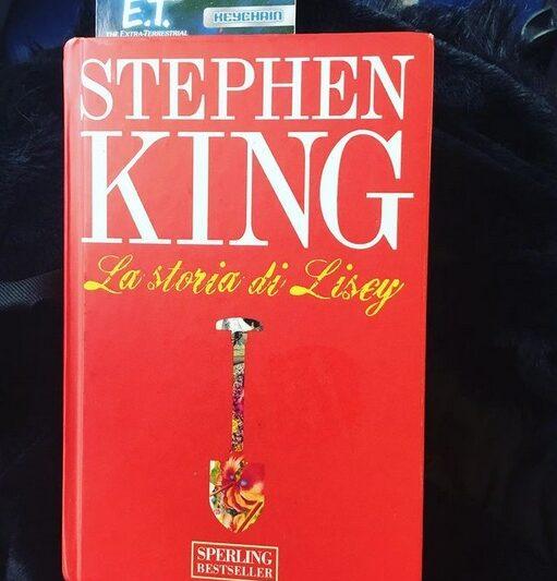 Parliamo di: La storia di Lesley di Stephen King.